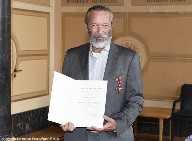 Bundesverdienstkreuz-Michael-Roll-4